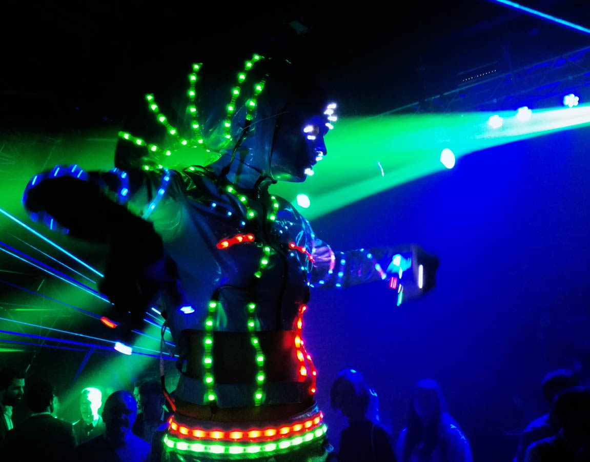 robot luminoso 2.jpg