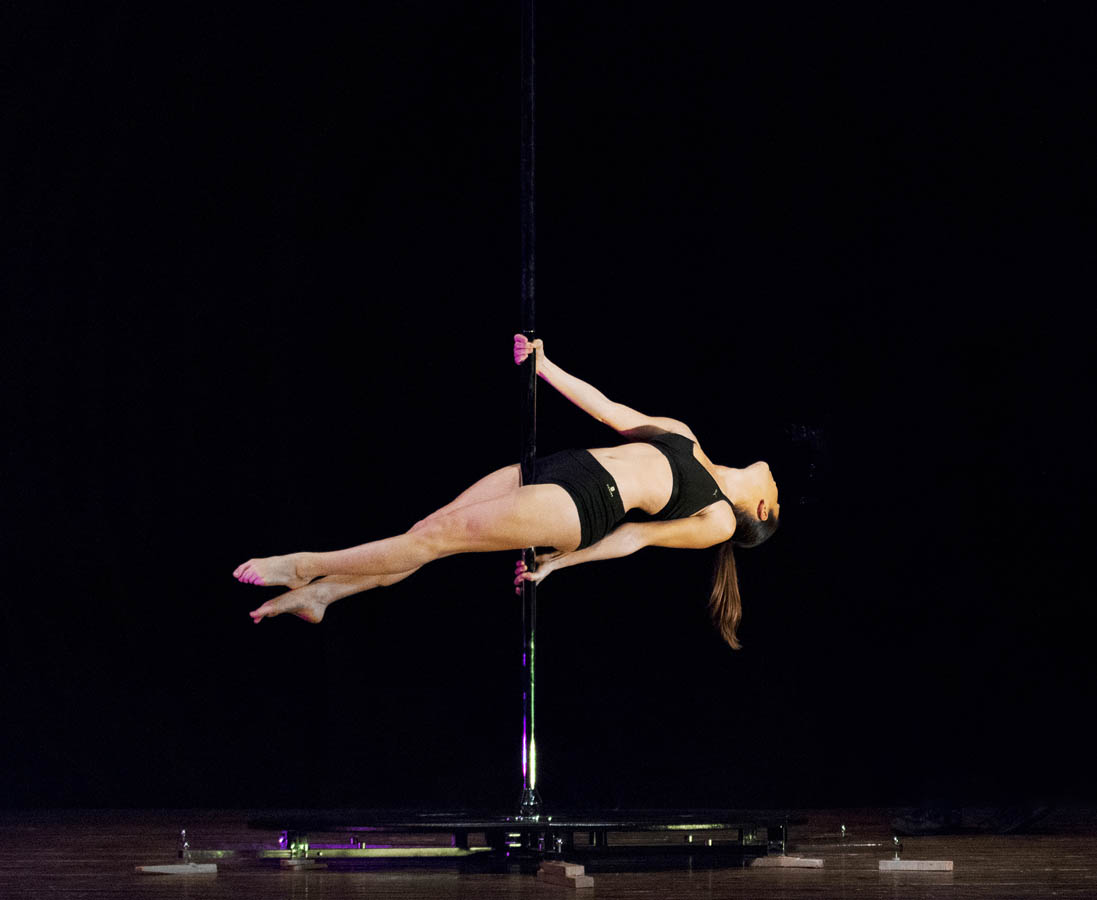 Pole-dance-performance-spettacolo (1).jpg
